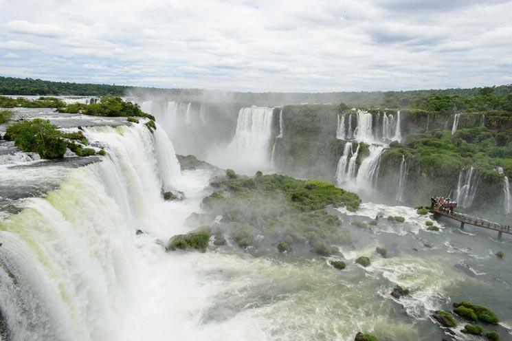Iguazu-Wasserfaelle-in-Brasilien-Argentinien