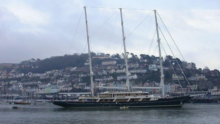 Eos-Yacht