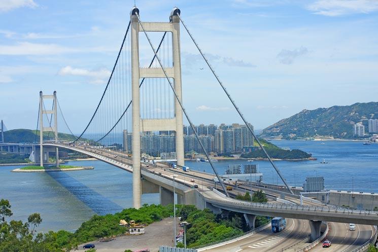 Tsing-Ma-Bruecke-in-Hongkong