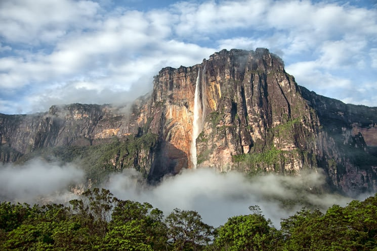 Angel-Falls-Wasserfall-in-Venezuela