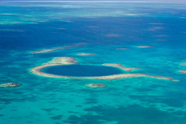 Great-Blue-Hole-vor-Belize