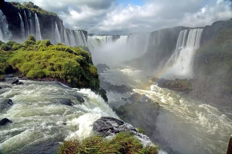 Iguazu-Wasserfaelle-in-Brasilien