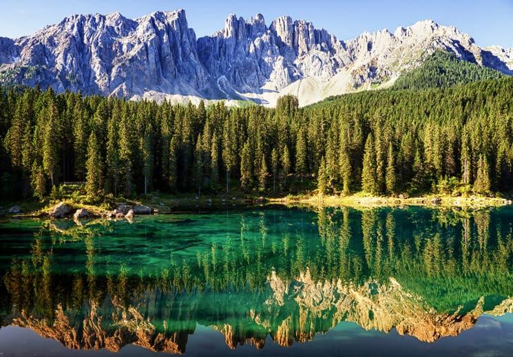 Karersee-in-den-Dolomiten