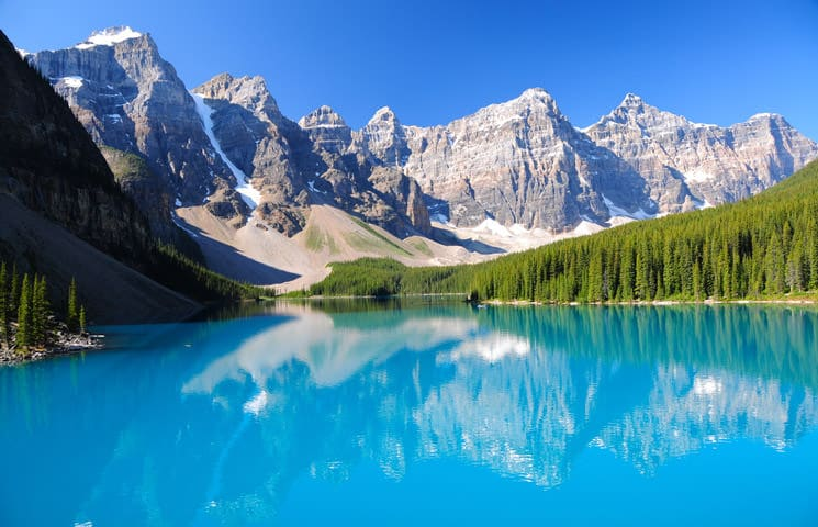 Moraine-Lake-in-Alberta-in-Kanada