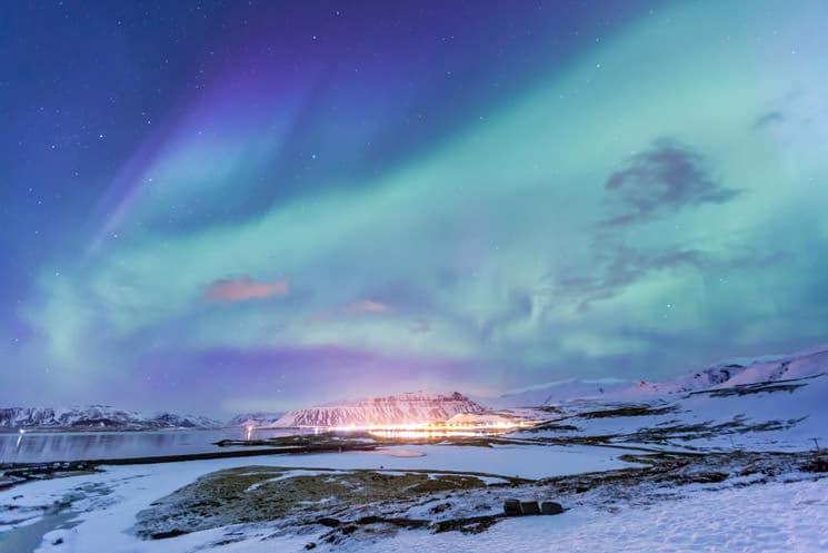 Nordlicht-am-Kirkjufell-Berg-auf-Island