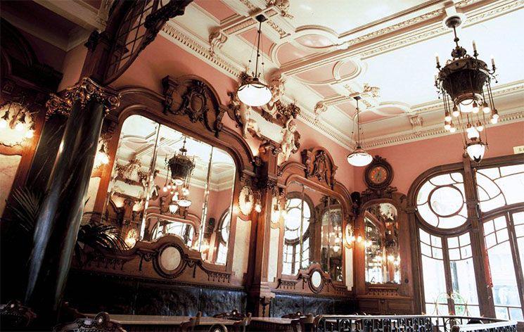 Café Majestic in Porto