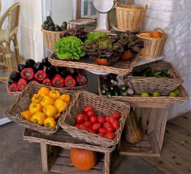 Auf eine gesunde Ernährung achten um jung zu bleiben