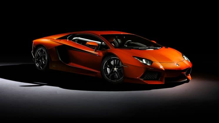 Lamborghini Aventador (700PS, ~310 000 Euro)