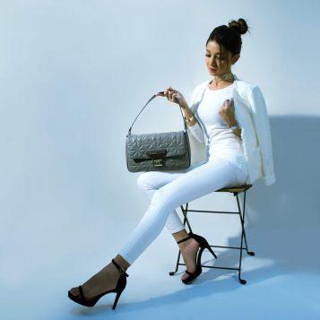 Wer sichtlich im Luxus schwelgt, der setzt häufig auf Markenhandtaschen namhafter Designer.