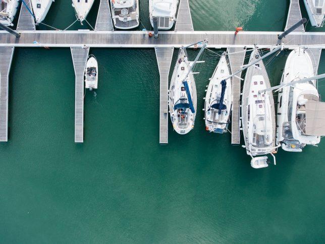 Doch auch wer eine Yacht im Hafen liegen hat, wird schnell in die Kategorie der Reichen eingestuft.