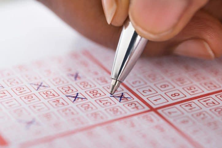 Beim Lotto 6 aus 49 die richtigen Zahlen auswählen