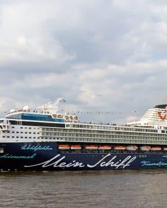 """Das alte """"Mein Schiff 1"""" hat ausgedient – ein neuer Luxusliner nimmt seinen Platz sein"""